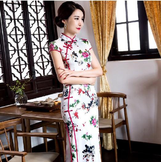 1ed6271c5411 Čínské šaty cheongsam s květy 2