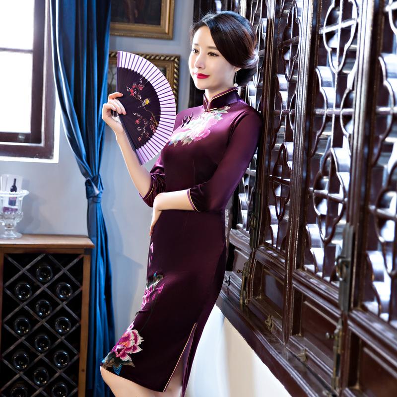 Čínské šaty cheongsam s fialovým sametem--- Pivoňky 2 1c0ace64b0