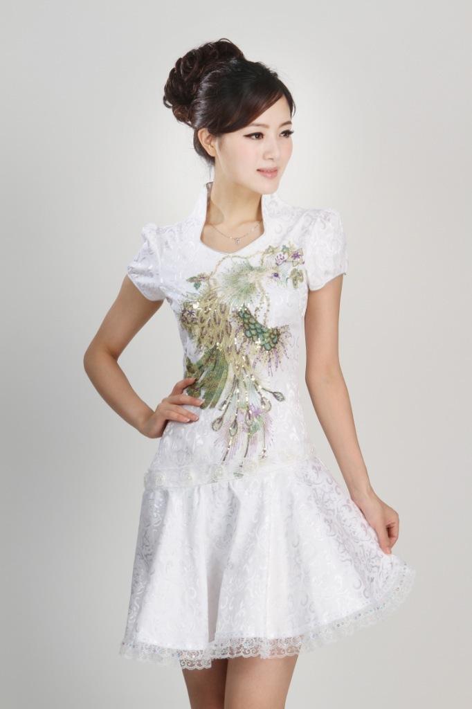 Čínské šaty cheongsam s pávem empty 11796f8162