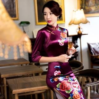f9165609b305 Čínské šaty cheongsam s fialovým sametem--- Pivoňky