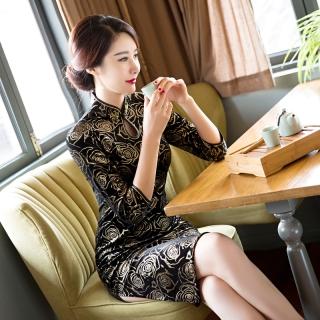 d885dcc1642c Čínské šaty cheongsam s černým sametem( Zlaté barevné růže)